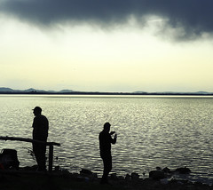 Pescatori - Fishermen (Ola55) Tags: ola55 italy trasimeno lake lago umbria acqua water clouds nuvole nubi grey grigio sky cielo pesca fishing pescatori fishermen italians