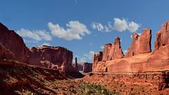 Arches NP - Utah / USA (Udo S) Tags: utah farben colors steine rocks felsen usa amerika arches nationalpark park avenue travelling reisen sky himmel landschaft landscape