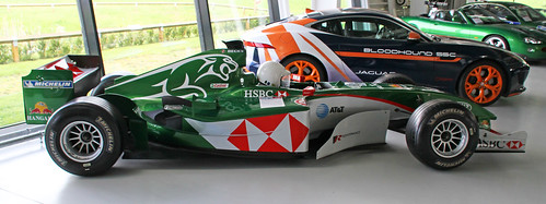 2004 Jaguar R5 F1 racing car side