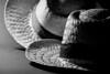 Aires de verano (Jose Rahona) Tags: sombrero sombreros hat hats chapeau cappello verano summer blancoynegro bw monocromo luz sombra