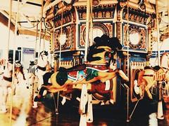 ○● Quiero volver a mi infancia un ratito, una hora, un minuto o lo que dura la vuelta de un carrusel ... para volver a fluir con la vida de un modo totalmente genuino.●○ (ivethmendez86) Tags: carrusel vintage retro niñez recuerdos photooftheday picoftheday mexico beauty beautiful pretty cute kawaiii horse caballo