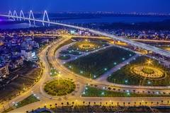 Nhật Tân bridge. Hanoi 1/5/2018 (Vinh.NT photo - 0989.4594.88) Tags: 5dmarkii canon asian vietnamese buildings lights longexposure blue river bridge sunset travel hanoi vietnam