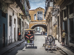 Havanna (gies777) Tags: kuba cuba havanna havana habana lahabana karibik caribbean reise travel vacation kolonial colonial fahrradtaxi bicicleta rikscha bicitaxi olympus omd em5 mft