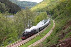 78 468 auf dem Weg von Gerolstein nach Trier bei Auw an der Kyll (fabian.kappel) Tags: 78 78468 bahn eisenbahn db dampfspektakel2018 dampflok deutschebahn eisenbahntradition eisenbahntraditionlengerich kylltal trier nebenbahn eifelstrecke train locomotive steam damfzug