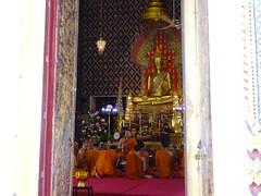 Praying (prapb) Tags: buddhism monk buddha temple bangkok thailand candid asia anthropology documentary culture religion
