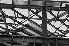 structure (Riex) Tags: sfba sanmateo california californie bw blackandwhite noiretblanc monochrome tmax iso400 expired film folder folding kodak retina iiic schneiderkreuznach xenon 50mm f2 rangefinder analog analogue silverhalide reconstruction construction chantier site hillsdaleshoppingcenter