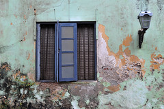 Galle - Open Window Protection (Drriss & Marrionn) Tags: travel srilanka ceylon southasia outdoor seaside tropics coastline galle coast sea window windows wall city cityscape street streetview streetlife palevel1 palevel2