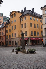 Square in the Old Town, Stockholm, Sweeden (mattk1979) Tags: stockholm sweeden europe winter snow cold grey outdoors city buildings urban cobbled street historic