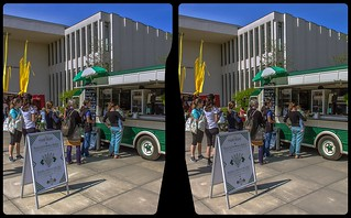 Vintage food truck 3-D / CrossView / Stereoscopy / HDRaw