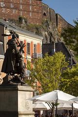 Belfort en trois niveaux (mrieffly) Tags: belfort fortifications statue parasol franchecomté canoneos50d