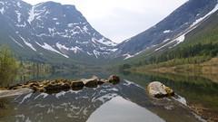 Litledalsvatn -|- Litle lake (erlingsi) Tags: liteledalsvatn lake bjørdal noreg norway reflection spegling spegel spiegel mountains snowcapped speglun