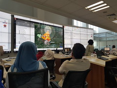 BNPB Indonesia (PDC Global) Tags: 2017 bnpb badannasionalpenanggulanganbencana aha asean jakarta indonesia inaware ttx tabletopexercise cpx commandpostexercise pdc technology screen monitor watch observe weather map bright light office management maps mapping gis geospatial pc computer desktop laptop display wall track model predict weatherwall tv television screens usaid desks presentation learning workshop education ahacenter ahacentre emergencyoperations bigscreen largemonitor solutions software problemsolving solvingproblems associationofsoutheastasiannations