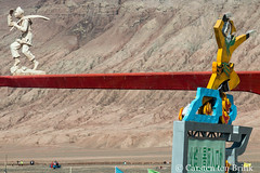 At the Flaming Mountains (10b travelling / Carsten ten Brink) Tags: 10btravelling 2017 asia asian asien carstentenbrink china chine chinese flamingmountains iptcbasic prc peoplesrepublicofchina silkroad tarim tulufan turfan turpan xinjiang basin directions figures statues tenbrink 中华人民共和国 中国 吐魯番