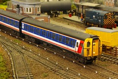 423588  Langford Moor 06.05.18 (jonf45 - 4 million views -Thank you) Tags: langford moor oo gauge model railway train set plastic bachmann hornby heljan network southeast nse 3rd rail 423 4vep no3588 emu class 423588