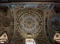 Si miras hacía arriba lo verás ... (<María>) Tags: artesonado contrapicado pandeoro pinturas nikon spain españa