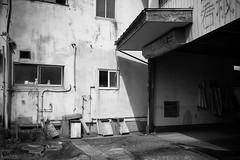 街 (fumi*23) Tags: ilce7rm3 35mm sony sonnartfe35mmf28za sel35f28z blackandwhite bw monochrome street alley miyazaki 街 モノクロ 宮崎 a7r3 zeiss