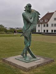 Back to the sea… (Darkhorse Winterwolf) Tags: art belgium belgïe fish oostende statue