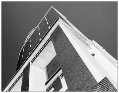 Look up (C.Kalk DigitaLPhotoS) Tags: building planetarium planetariumhamburg monochrome blackandwhite schwarzweis hamburg winterhude architektur architecture bw sw bnw photo photography angles perspective