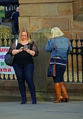 Of Kinky Boots And Blue Suede Shoes (Bricheno) Tags: 2018 szkocja scozia scoția scotland schottland girls women blonde jeans tightjeans lace curvy mature bbw candid escòcia escocia écosse bricheno 蘇格蘭 स्कॉटलैंड σκωτία paisley camra beerfestival girl realale townhall renfrewshire