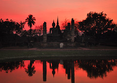 Sunset in Sukhothai - Thailandia (Valdy71) Tags: sukhothai thailandia thailand thai tramonto travel viaggi valdy nikon sunset color