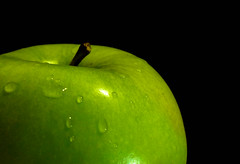 Eat me! she said (Sonia .) Tags: macromondays lowkey macro green color close up drops apple nikon nikonphotography d3300 stilllife
