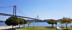 Pont 25 d'Abril. (josepponsibusquet.) Tags: pont pont25dabril puente25deabril lisboa portugal riu rio tajo aigua samsung samsungs8