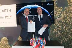 ESA and SAP join forces (europeanspaceagency) Tags: ila2018 ila berlin 2018 ilaberlin2018 die führende messe der luft raumfahrt dieführendemessederluftraumfahrt esa europeanspaceagency space universe cosmos spacescience science spacetechnology tech technology josefaschbacher carstenlinz sap