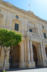Bibliotheca [Valletta - 25 April 2018] (Doc. Ing.) Tags: 2018 malta valletta lavalletta ilbeltvalletta city capital spring bibliotheca library architecture nationallibrary republicsquare building