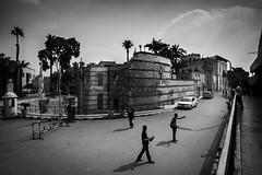 Cairo, Egypt (pas le matin) Tags: bw nb blackandwhite noiretblanc monochrome travel voyage égypte egypt afrique africa city ville cairo lecaire canon 7d canon7d canoneos7d eos7d people architecture