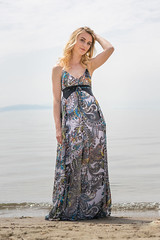 15042018-075 (Theo Benjamin) Tags: dress annesophievillard girl lake geneva leman preverenges robes fashion mode sony sonyalpha sonya7r a7r zeiss theobenjamin