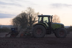 Claas Ares 697 ATZ Tractor with a Nordsten Lift-o-matic Seed Drill & Amazone Power Harrow (Shane Casey CK25) Tags: claas ares 697 atz tractor nordsten liftomatic seed drill amazone power harrow traktor trekker traktori tracteur trator ciągnik sow sowing set setting drilling tillage till tilling plant planting crop crops cereal cereals county cork ireland irish farm farmer farming agri agriculture contractor field ground soil dirt earth dust work working horse horsepower hp pull pulling machine machinery grow growing nikon d7200 rathcormac