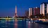 Paris 2018 - Blue hour (cesbai1) Tags: paris ile de france blue hour heure bleue tour eiffel tower pont bir hakeim seine fleuve river front immeubles building evening soir