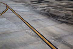 (Beathe) Tags: img7727 phuket airport yellow grey black