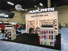Mammoth Pet Products - SuperZoo 2017 (CREATACOR) Tags: mammoth pet products superzoo 2017 creatacor custom exhibit