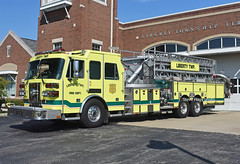 Liberty Township at Hamilton OH   Tower 113 (kyfireenginephoto) Tags: fairfield lakota twp fire ohio lime bright route747 west chester i75 truck quint oh butler monroe 2004 mason green sutphen ltfd