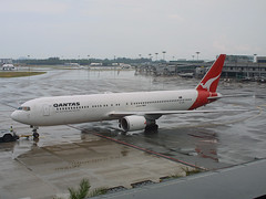VH-OGR, Singapore Changi, March 8th 2003 (Southsea_Matt) Tags: vhogr qantas oneworld boeing 767336er singapore sin wsss march 2003 spring canon d30 airport aviation aircraft transport