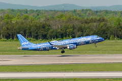 18-2567 (George Hamlin) Tags: virginia chantilly washington dulles international airport iad embraer e190 aircraft airplane airliner jet narrowbody single aisle n304jb jetblue airlines takeoff runway trees mountains blueprint special paint scheme livery photo decor george hamlin photography