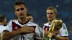تعرف على أبرز 10 هدافين في تاريخ كأس العالم لكرة القدم (nashwannews) Tags: 2018 ألمانيا إيطاليا البرازيليرونالدو باتيستوتا بيليه جيردمولر كأسالعالملكرةالقدم منديالروسيا هولندا