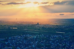 Light from the Heavens (DrQ_Emilian) Tags: landscape view town valley sunset sunlight sunshine sunrays light colors details dawn evening mood sky clouds travel visit explore discover outdoors weinstadt remstalkino remstal remsmurrkreis badenwürttemberg germany europe photography hobby