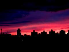 atardeciendo III (marustr) Tags: anochecer atardecer cielo rosa azul ciudad caba