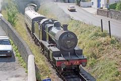 S&DJR 7F 2-8-0 at Watchet Station, 25 Aug 1993 (Ian D Nolan) Tags: railway wsr station watchetstation film 35mm epsonperfectionv750scanner 280z sdjr 88 lms 7f