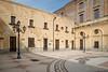 Milazzo (andreas.zachmann) Tags: sicilia altstadt strase himmel platz strasenlampe lampe hof gebäude milazzo ita italien