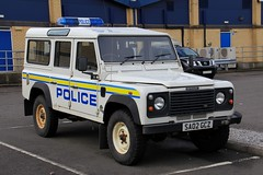 Police Scotland Land Rover Defender 110 Mountain Rescue Vehicle (PFB-999) Tags: police scotland ps land rover defender 110 4x4 mountain rescue vehicle car unit lightbar rotators beacons sa02gcz