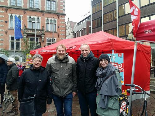 Auf der Maikundgebung des DGB in Oldenburg mit (v.l.) Hanna Naber MdL, Ulf Prange MdL und der Vorsitzenden der SPD Oldenburg, Nicole Piechotta.
