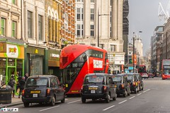 Buses and Taxis London England   2018 (seifracing) Tags: london city centre transport 2018 buses taxis england seifracing spotting services emergency europe traffic trucks cars car vehicles voiture britain british seif photography