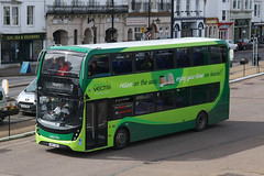 HW67 AKO, Ryde Bus Station, March 23rd 2018 (Southsea_Matt) Tags: hw67ako 1671 route3 southernvectic alexanderdennis enviro400 adl e400 mmcunitedkingdom isleofwight ryde busstation march 2018 spring canon 80d sigma 1850mm bus omnibus transport