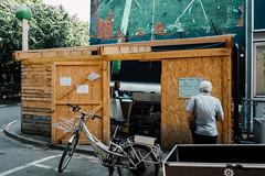 Déchets verts (photo & life) Tags: paris france ville city street streetphotography jfl colors photography photolife™ fujifilm fujinon fujifilmxpro2 fujinonxf18mmf20r humanistphotography