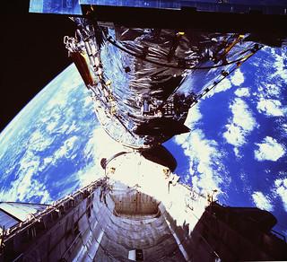 #TBT: Hubble Space Telescope Launches – April 24, 1990