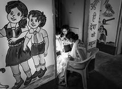 Electrical failure...Shantindia School India (geolis06) Tags: geolis06 asie asia inde india bodhagaya shantindia école school child caritative enfant schoolteacher institutrice noiretblanc blackandwhite