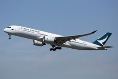 B-LRP CATHAY PACIFIC AIRWAYS AIRBUS A350-941 (Roger Lockwood) Tags: blrp cathaypacificairways airbusa350 manchesterairport man egcc